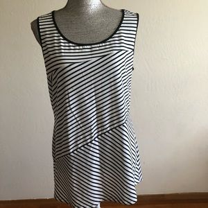 Essentials by Milano Sleeveless stripped Tank Top